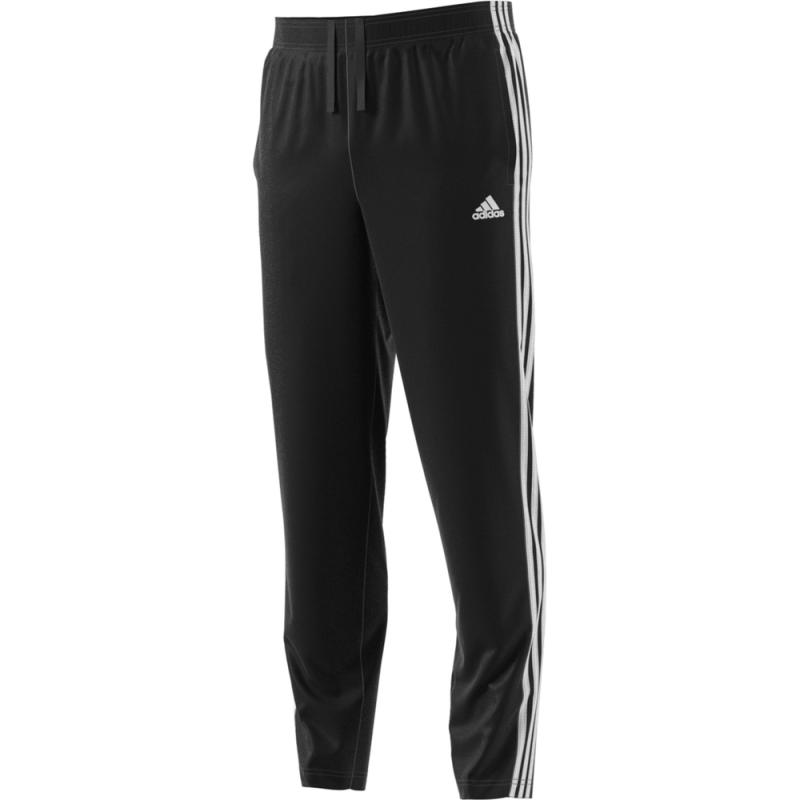 Pantalón de entrenamiento Adidas te permite entrenar bajo cualquier tipo de  climatología. a6391515f76b